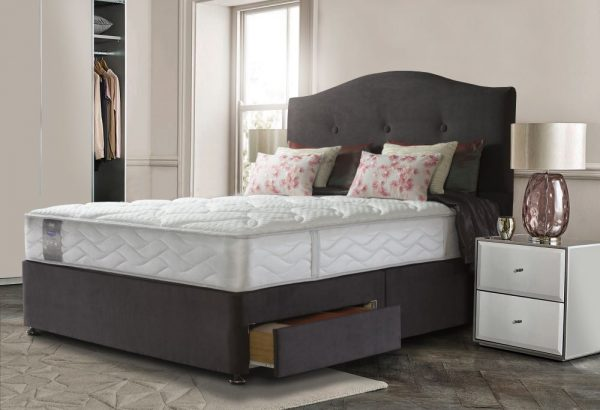 Sealy Bed, Sealy mattress, Sealy Posturepedic, Natural fillings, Back care mattress, mattress with Sealy bed Barnstaple, Sealy Mattress Barnstaple, Sealy Bed offer Barnstaple, Sealy bed sale North Devonwool,